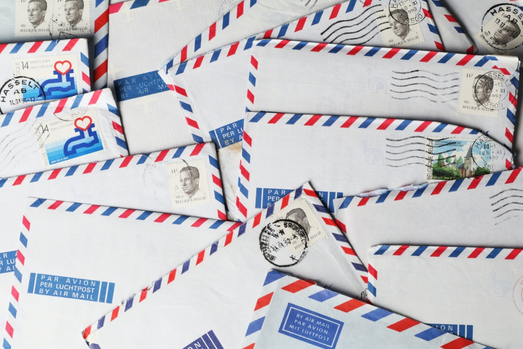 Envelopes with red and blue border